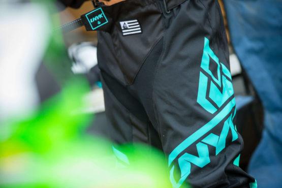 UNYK MX Motocross Gear Brand Klamotten Marke Deutschland Weiß White Style Red Gloves usa flag details style